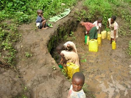 SCHOON EN VEILIG WATER IN RUBIRIZI DISTRICT UGANDA