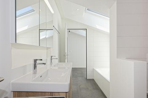 Badezimmer Attikawohnung.jpg