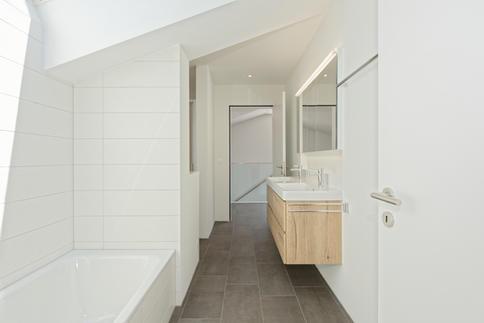 Badezimmer 2 Attikawohnung.jpg
