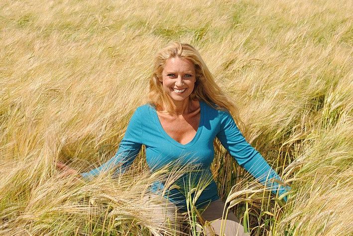 Gail Thackray Medium Reiki Healer Psychic Tours To
