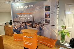 almamet-stand.jpg