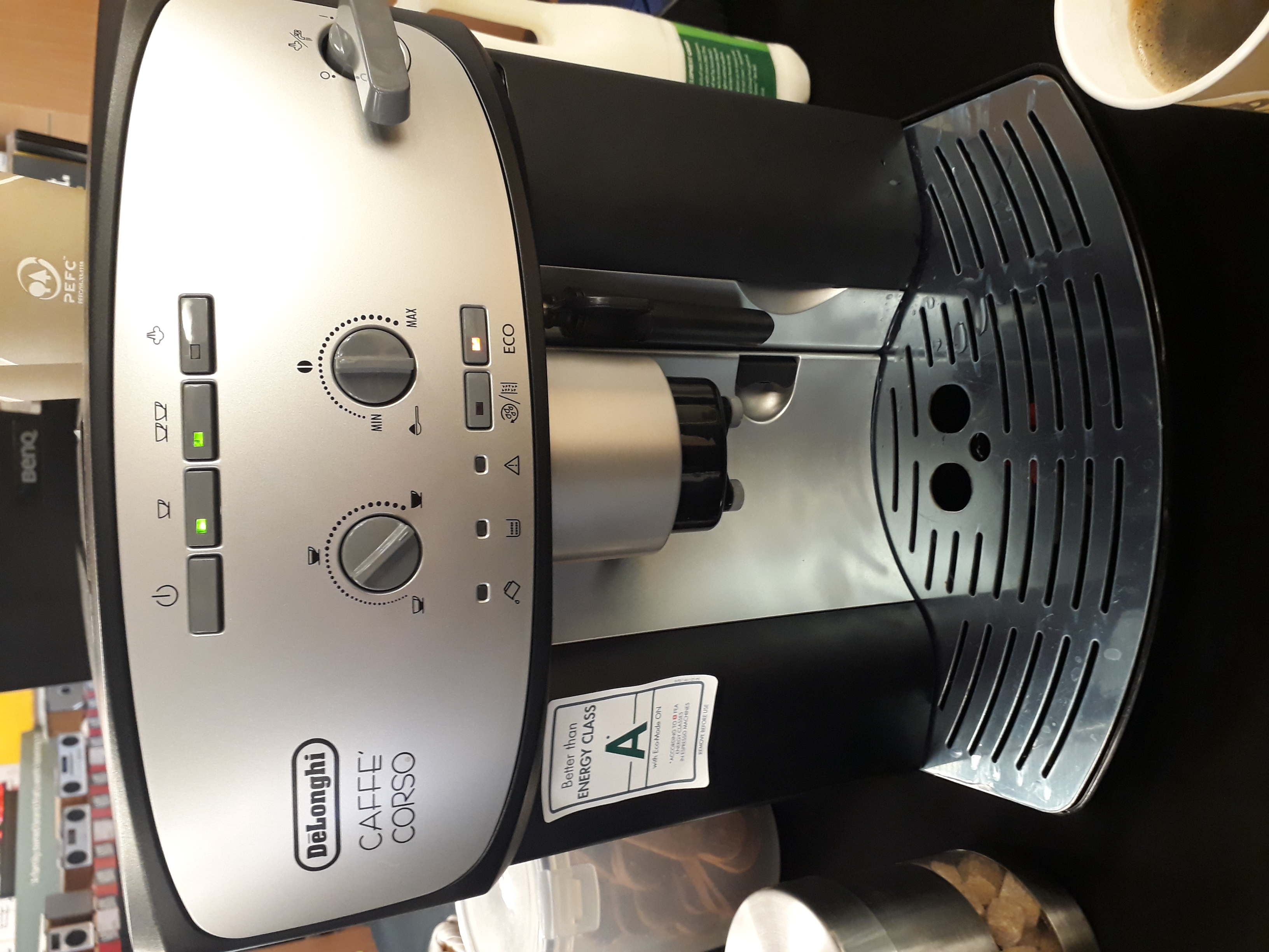 Delonghi Bean to Cup Machine