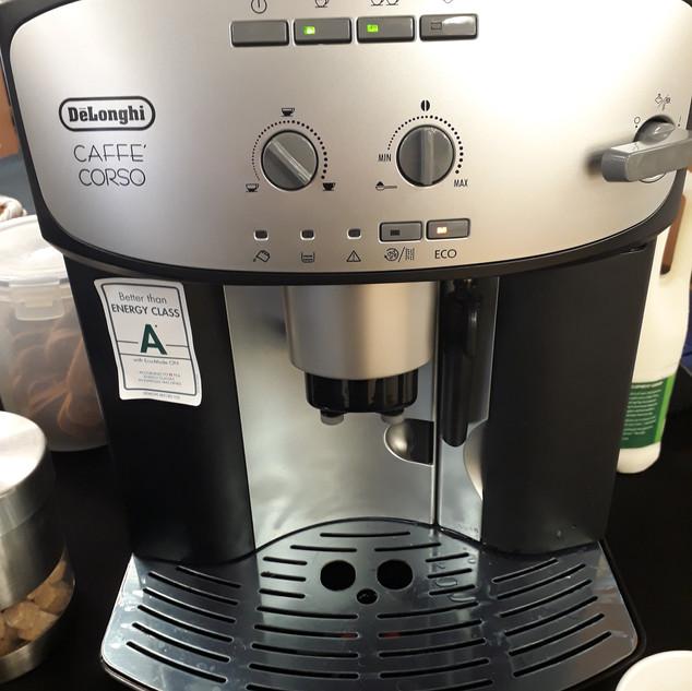 Delonghi Bean to Cup Machine
