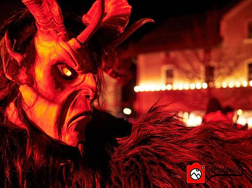 Finsterer Teufel zeigt den Weg