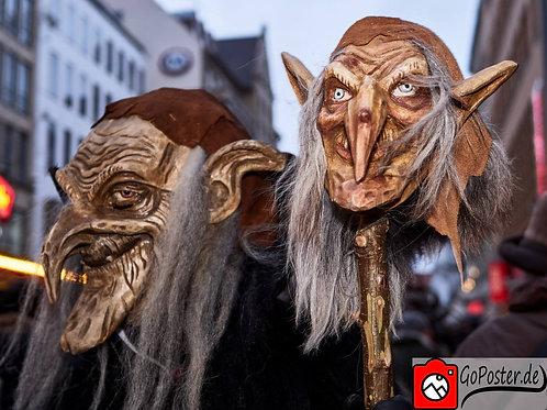 Krampuslauf Hexe mit Stock mit Maske
