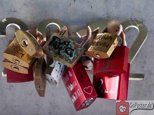 Liebesschlösster bestigt an 2012 Beschriftung (Poster)