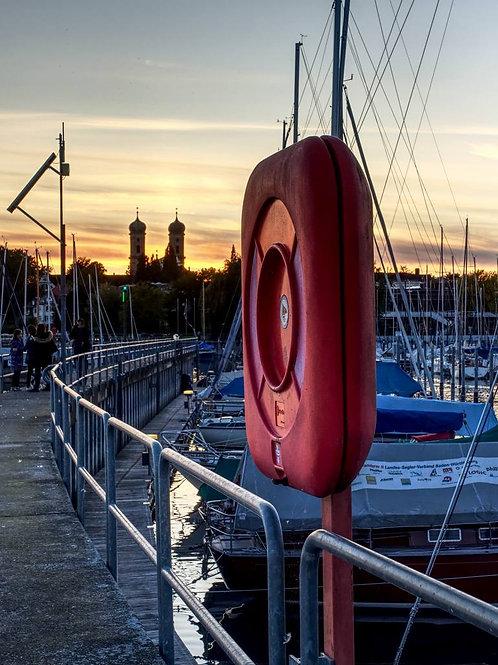 Rettungsring am Yachthafen (Poster)