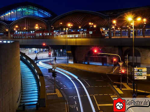 Wunderschöner Blick beim Kölner Bahnhof (Poster)
