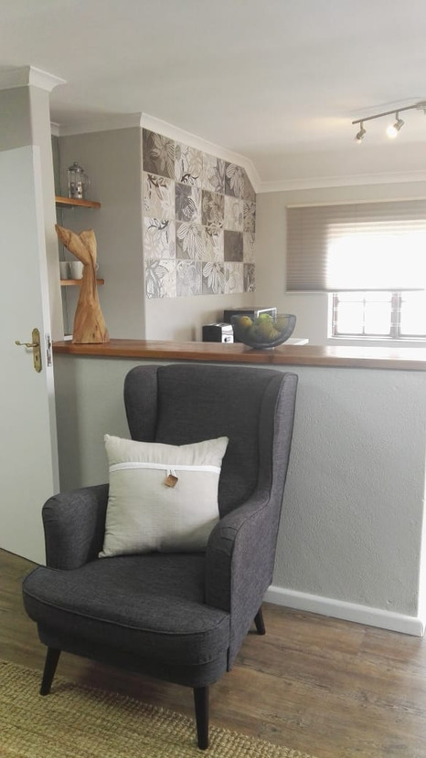 Lounge Kitchen.jpg