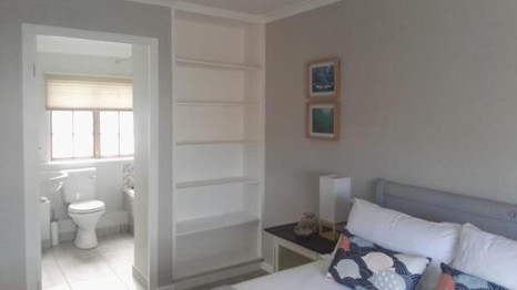 Bedroom bathroom flow.jpg