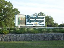 Rainbow_Springs_State_Park_Entrance02