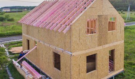 Минпромторг предложил распространить льготную ипотеку на деревянные дома