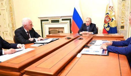 Путин предложил построить аналог ЦКАД вокруг Санкт-Петербурга