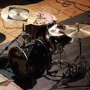 Improvisation für Drum-Set, Klavier und Elektronik