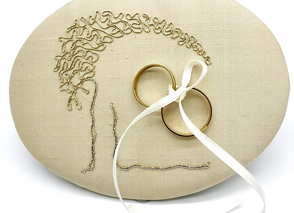 """Ringpolster """"Schützender Baum"""" Gold & Silber"""