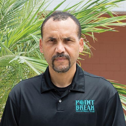 Coach Santos 21'.jpg