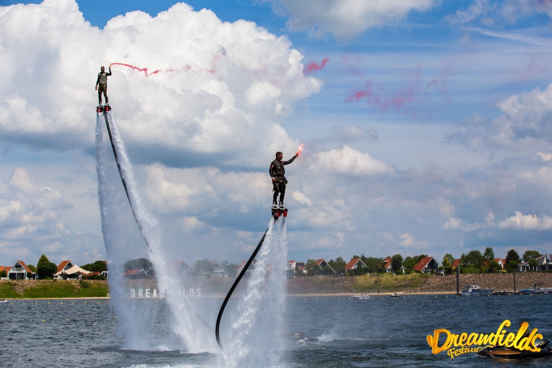 Flyboarden showteam