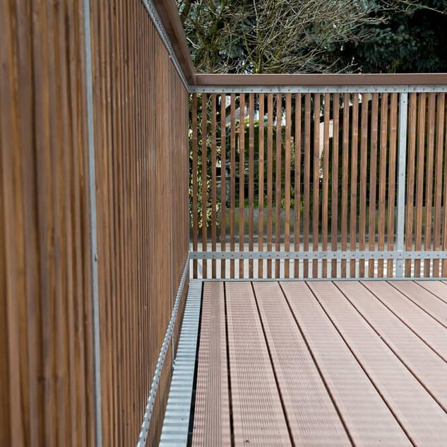 Detail Terrassenboden und Geländer