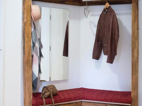 Garderobe mit passendem Sideboard aus Altholz (Fichte)