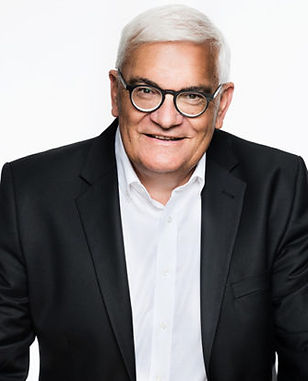 Dr. Christian J. Tscharner