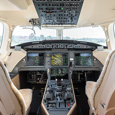 Cat Aviation Falcon 7X Cockpit