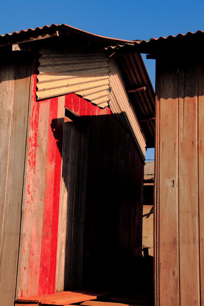 casas suspensas em palafitas