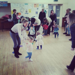 Another picture from our #BerryGoBoogies class this morning. Lovely to see some new little ones