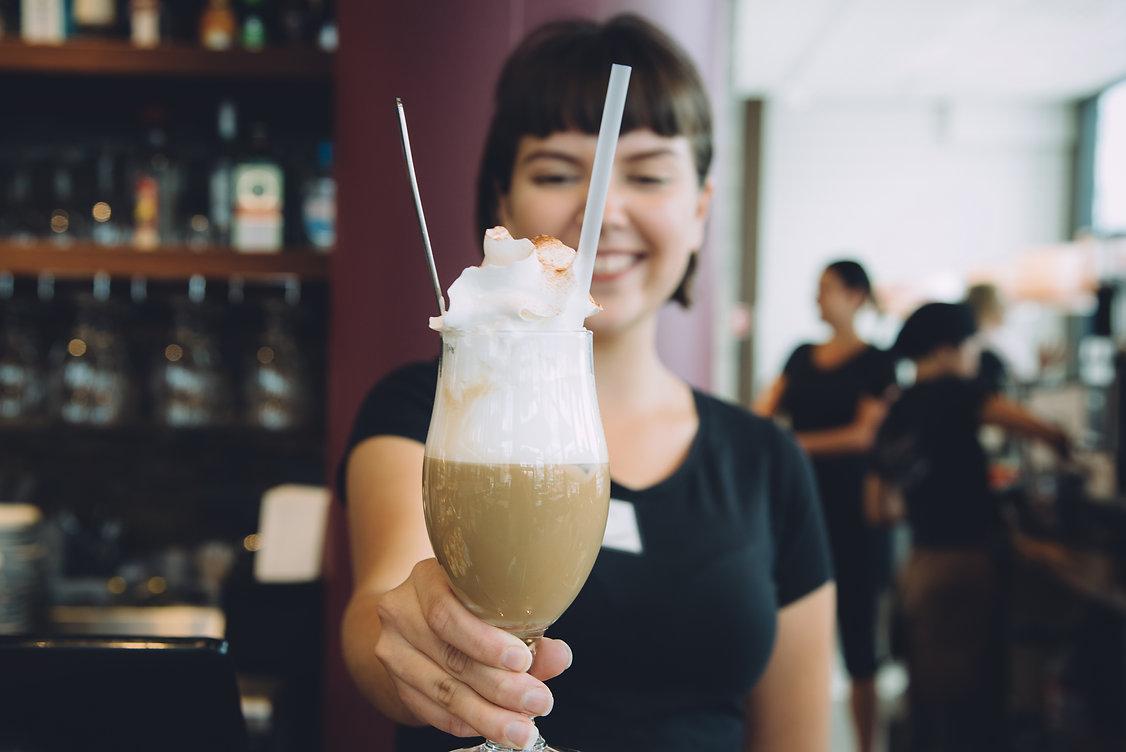 kahvi erikoiskahvi kermavaahto asiakaspalvelu konditoria kahvila ravintola