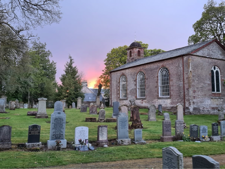 Sunset above the Old Kirk
