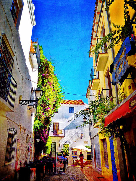 Freelance writer in Marbella, Malaga, Costa del Sol, Spain. Editor, blogger and press releases.