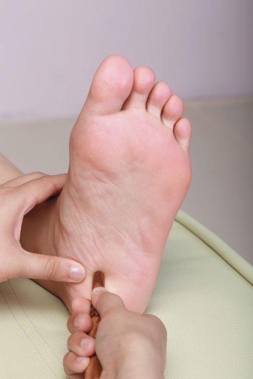 Traditional Thai Foot Massage (55min)