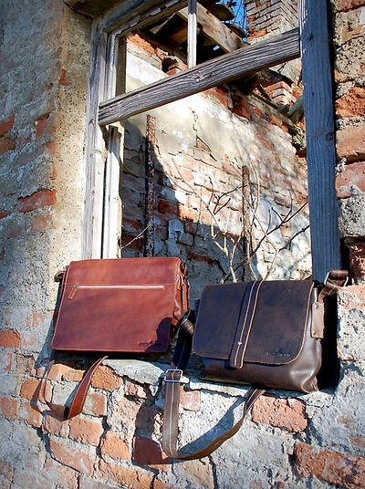 Umhängetaschen, Schultertaschen für Damen und Herren aus Leder