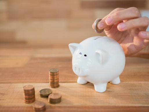¿Se tienen que declarar los depósitos bancarios que le hago a mi pareja?