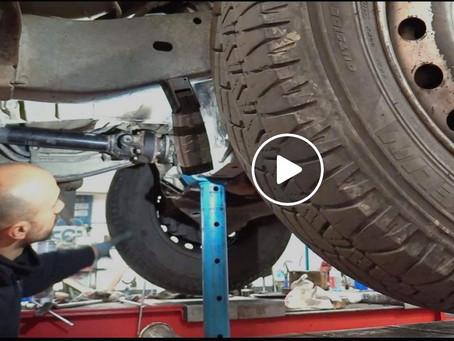 Intervento di autoriparazione: sostituzione della frizione di un L200