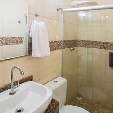 Banheiro Do Quádruplo superior