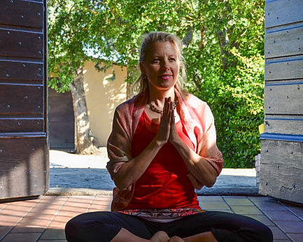 Michael Anthony's wife Colleen Wrighte teaches yoga in Tuscany 2014