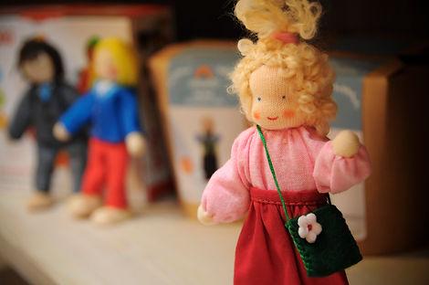 Grimms Puppenhaus Puppen.jpg