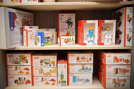 Puppenhaus Regal.jpg