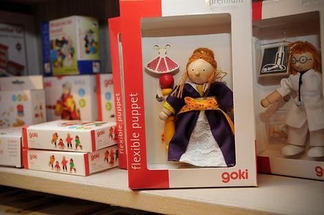Goki Puppenhaus Puppen.jpg