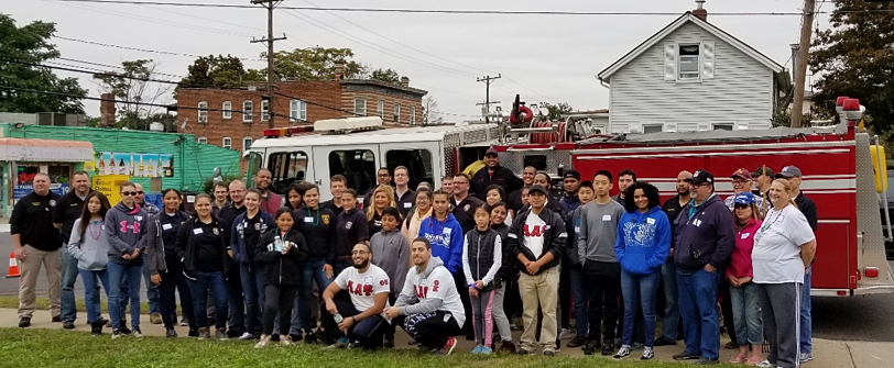 Group photo from North Oak Neighborhood Clean Up Day in October 2018