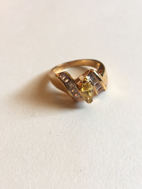 Gold plated ring with rhinestones