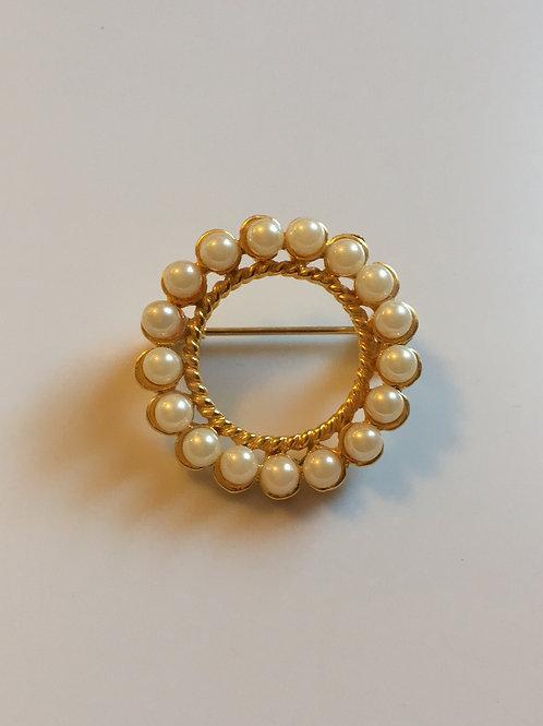 Faux pearl circle pin