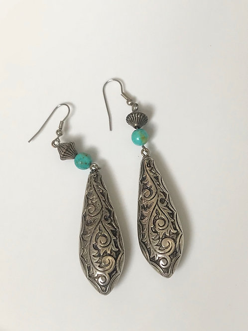 Detailed Dangle Earrings