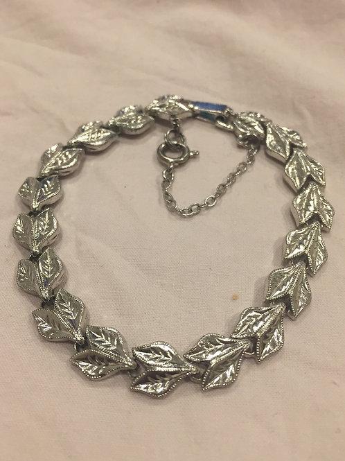 Silver color link bracelet