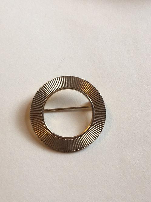 Round Ribbed Pin