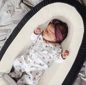 Deryan luxe babynestje wit en zwart.jpg