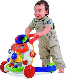 Baby met Chicco Babywalker - Looptrainer Rood.jpg
