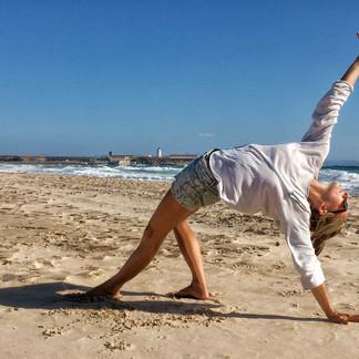 Tarifa beach yoga