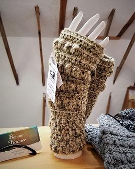Bonnie hand gloves.jpg