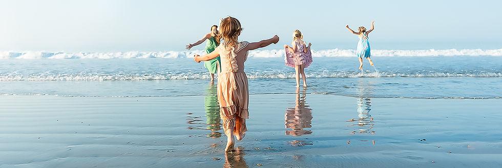 coronado-beach-candid-family-Edit.jpg